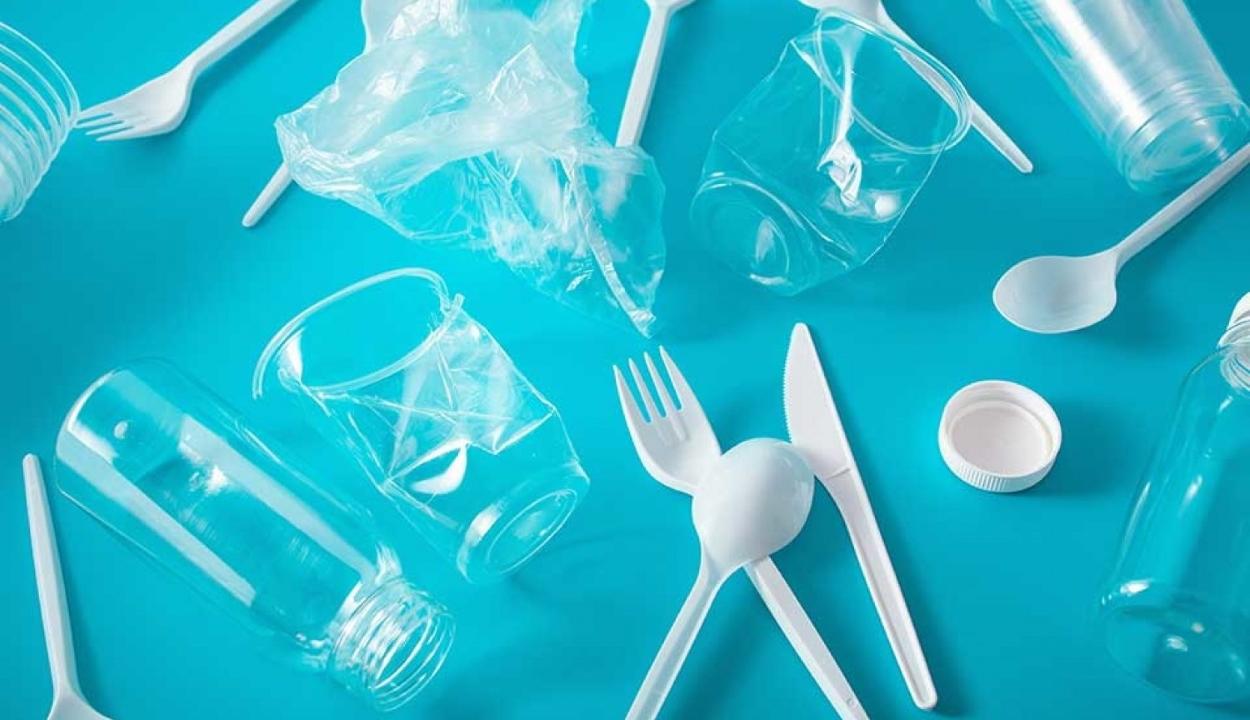 Betiltják az egyszer használatos műanyagokat Magyarországon