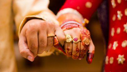 Meghalt a menyasszony az esküvőn, úgyhogy végül annak húgát vette el a vőlegény