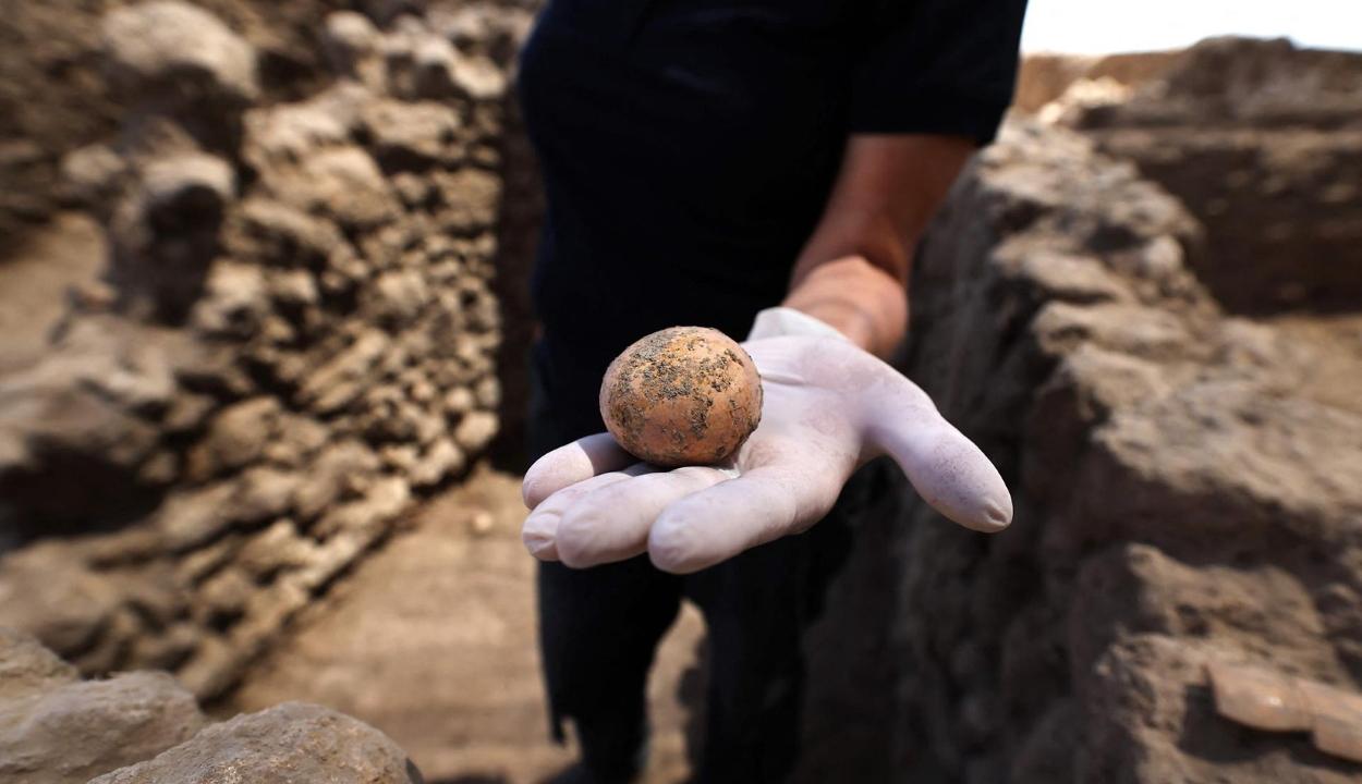Ezer éves tyúktojást találtak Izraelben