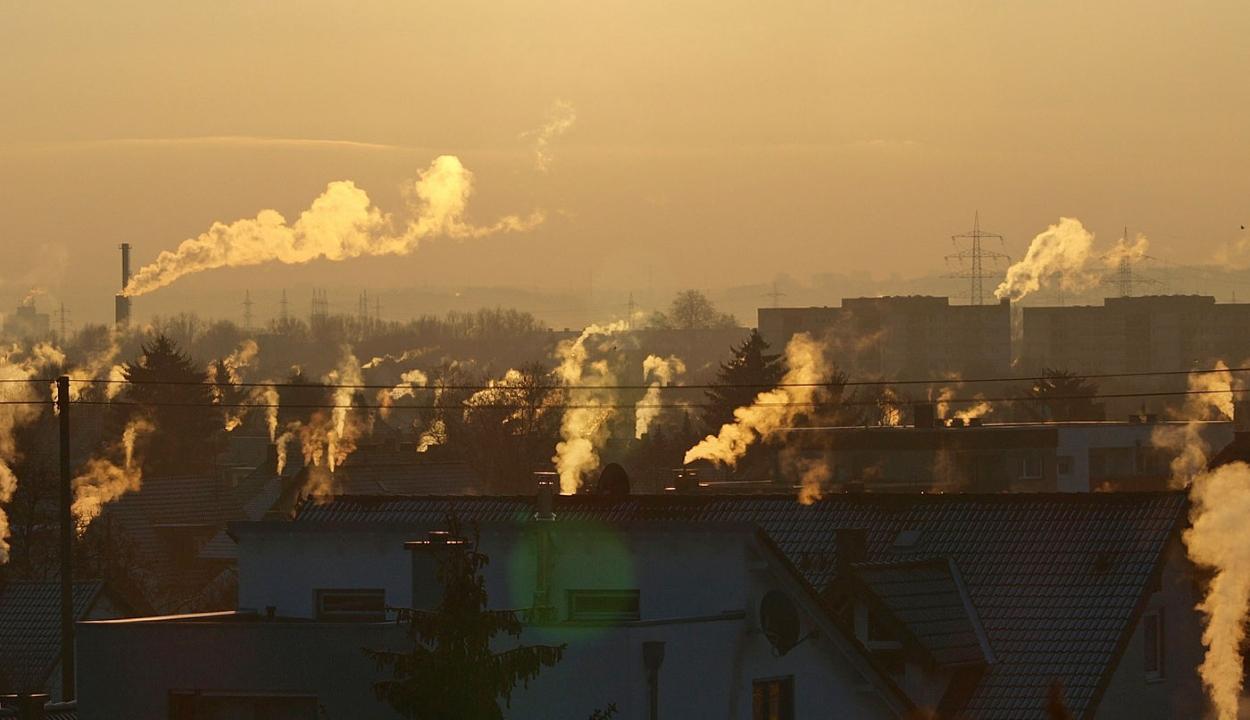 Az időjárás és nem a járványügyi korlátozások miatt javult a levegő minősége