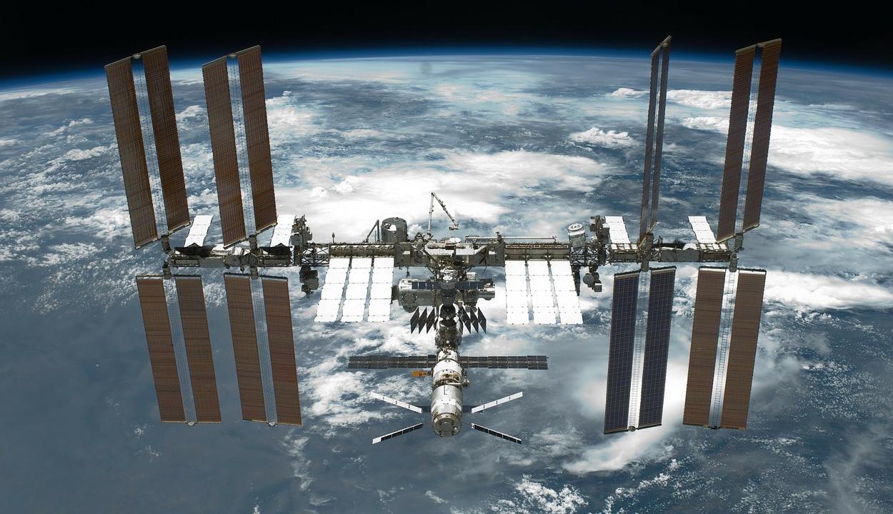 Űrszemét csapódott a Nemzetközi Űrállomásba