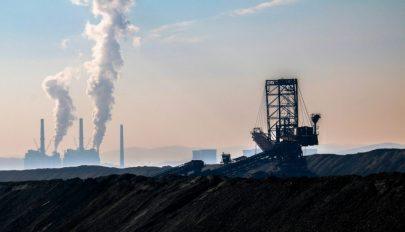 A kormány 9 ezer személy elbocsátását tervezi 2030-ig a szénnel működő energiavállalatoktól