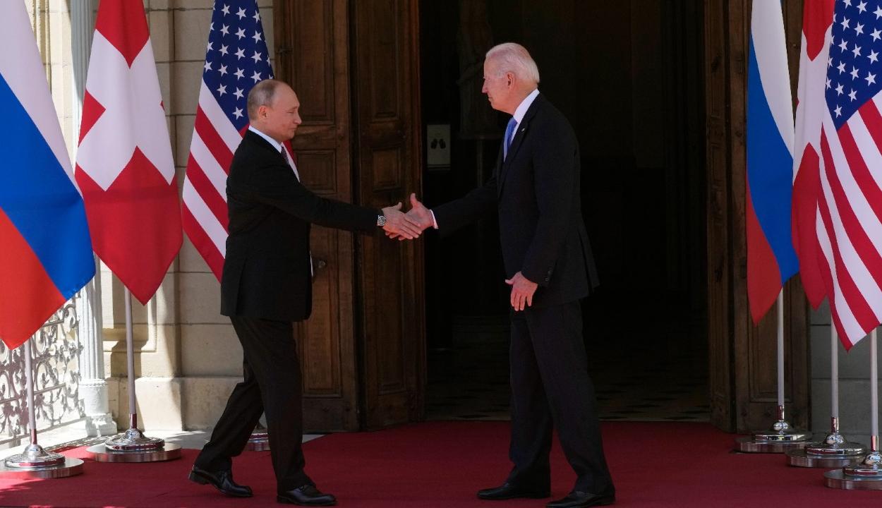 Putyin: a média hamis képet fest Bidenről