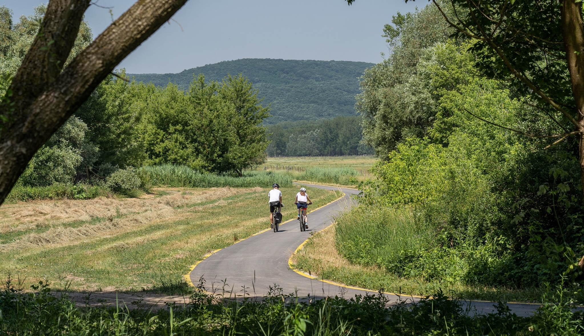 Otthonról haza kerékpárral