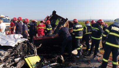 Hét személy, köztük két gyermek vesztette életét egy Bákó megyében történt balesetben