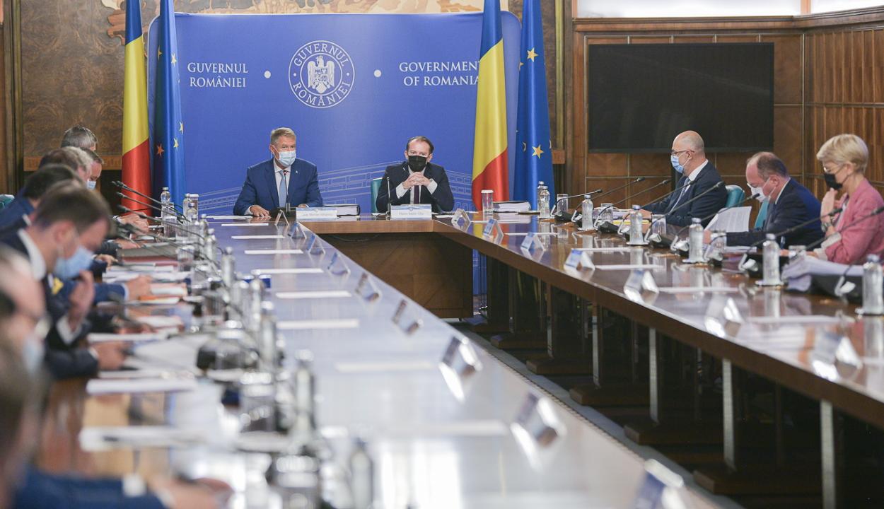 FRISSÍTVE: Eljutott az elnöki hivatalba az ügyvivő miniszternek javasolt kormánytagok listája