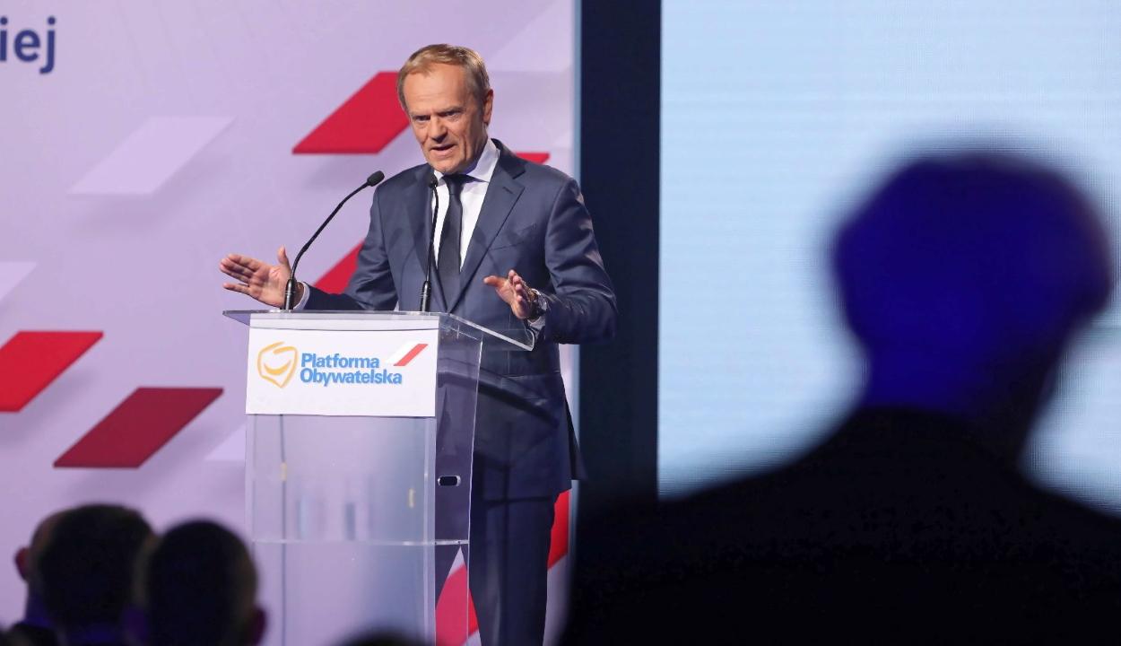 Donald Tusk távozik az Európai Néppárt éléről