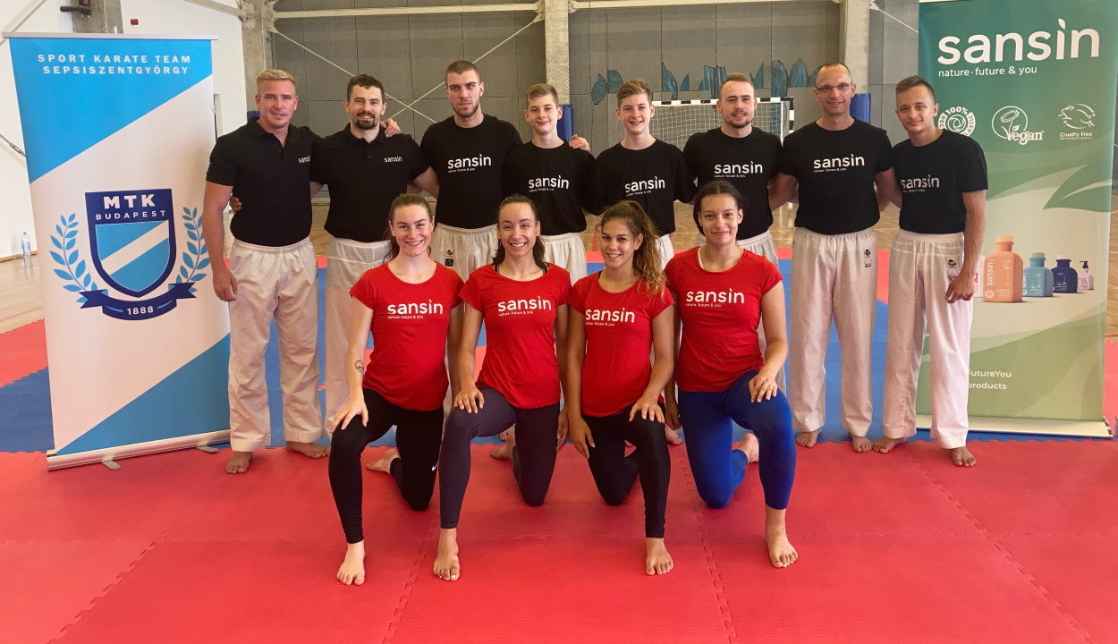 Közös edzés az olimpikonnal – interjú a Román Karateszövetség küldötteivel