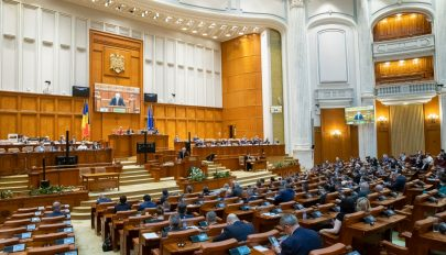Rendkívüli parlamenti ülésszakot sürget az USR PLUS az ideiglenes iskolaigazgatók ügyében