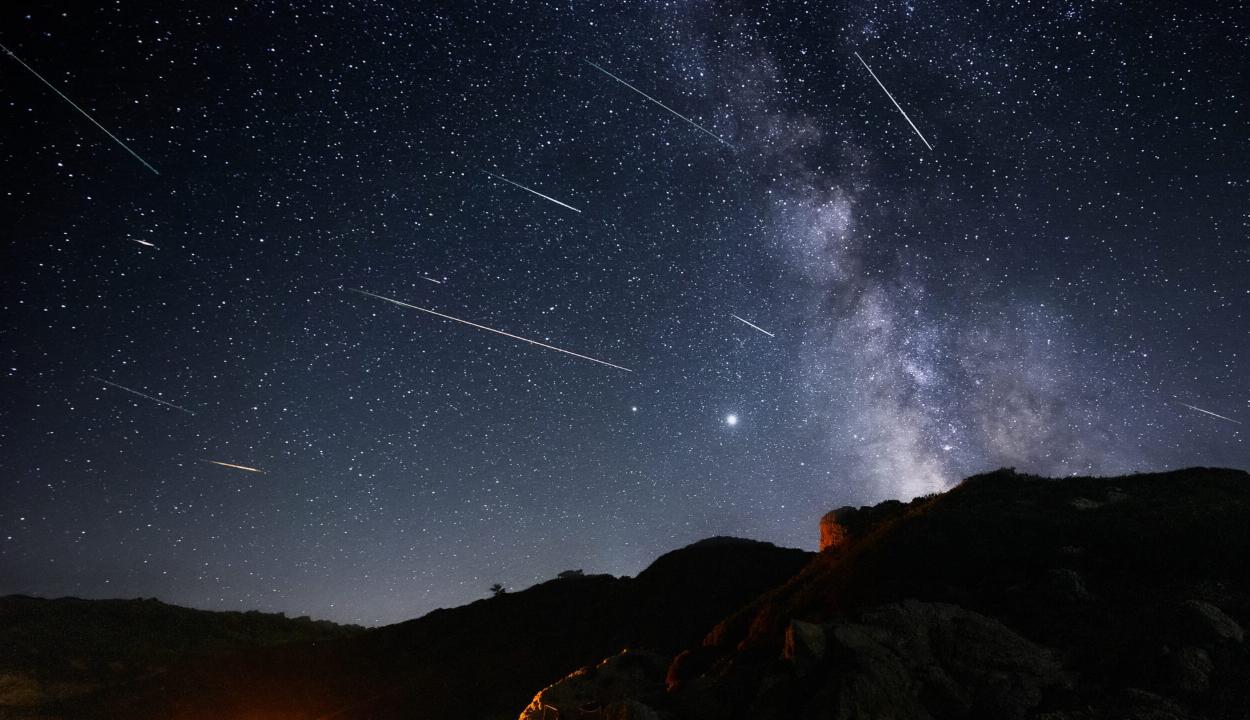 Augusztus 12. és 13. éjjelén lesznek a leglátványosabbak a Perseidák hullócsillagai