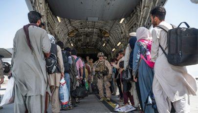 Egy hét alatt 37 ezer embert evakuált Afganisztánból az Egyesült Államok