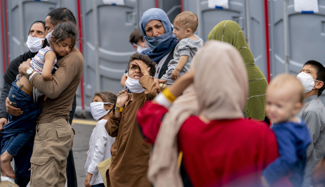 Petíció indult a román katonákkal együttműködő afgánok romániai befogadásáért