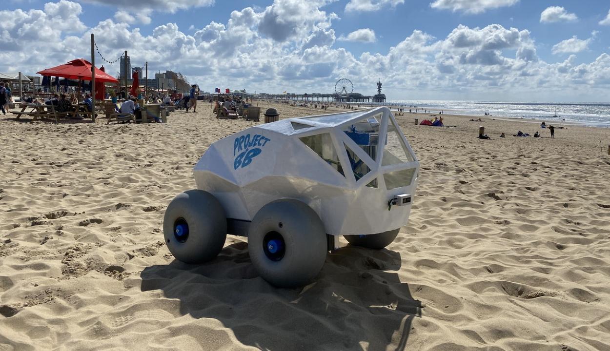Cigarettacsikk-szedő robotot fejlesztettek a homokos strandok megtisztítására