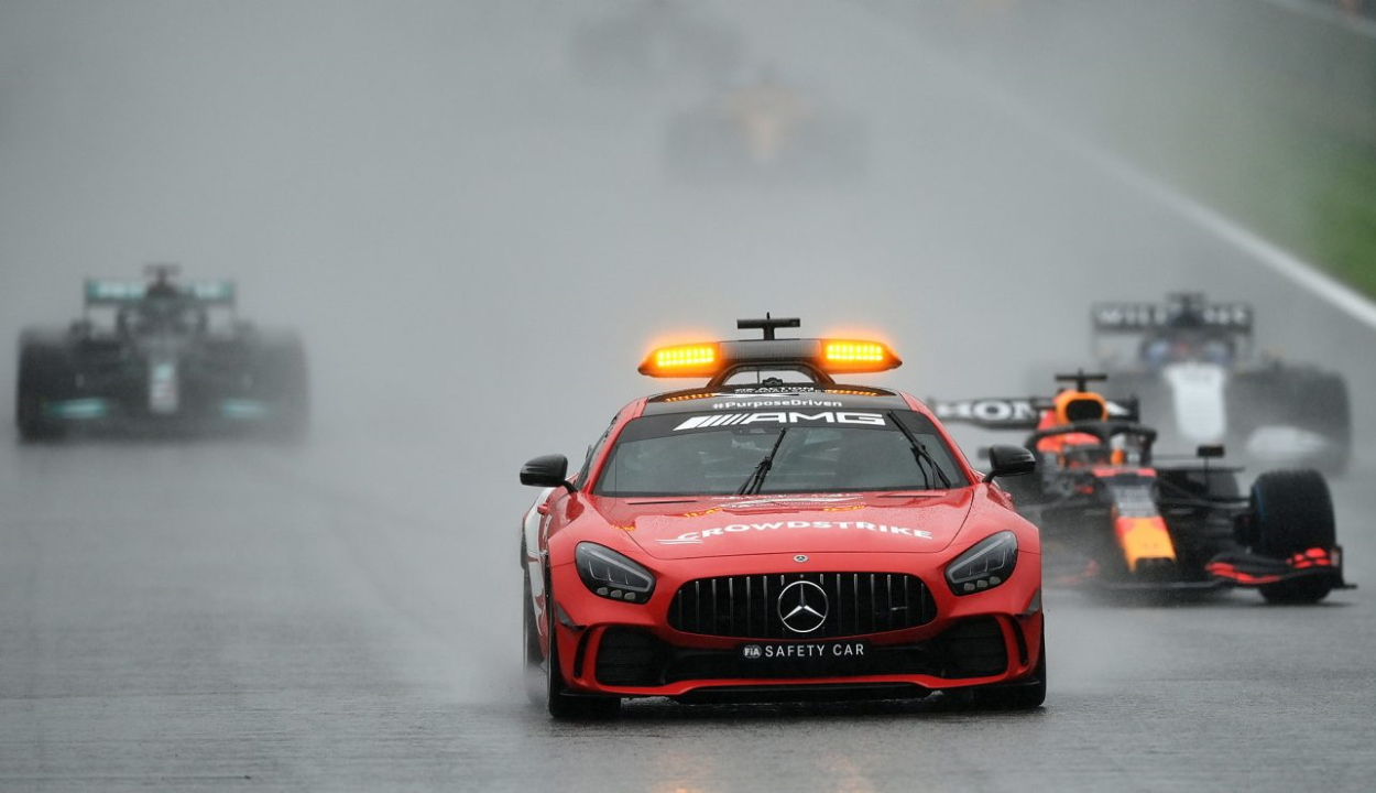 Forma-1: Verstappen nyerte az el sem indított belga futamot