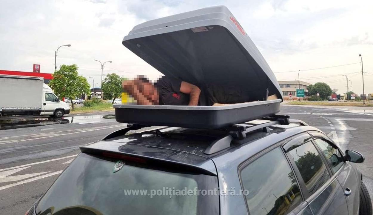 Személyautó tetőcsomagtartójából került elő egy határsértő a bolgár-román határon