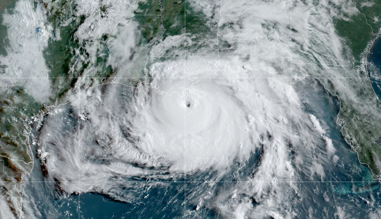 Lecsapott az Ida hurrikán Louisiana amerikai állam partjaira