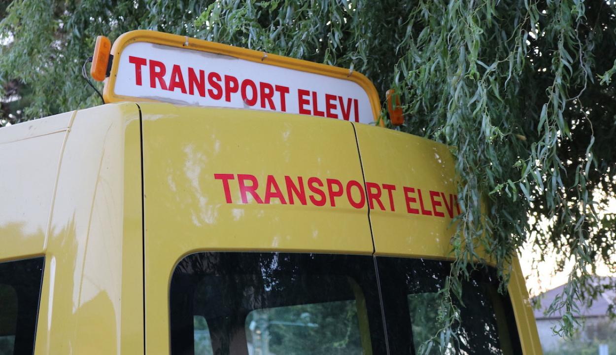 Ingyenes szállítást biztosítanak jövő tanévtől az elemi osztályosoknak