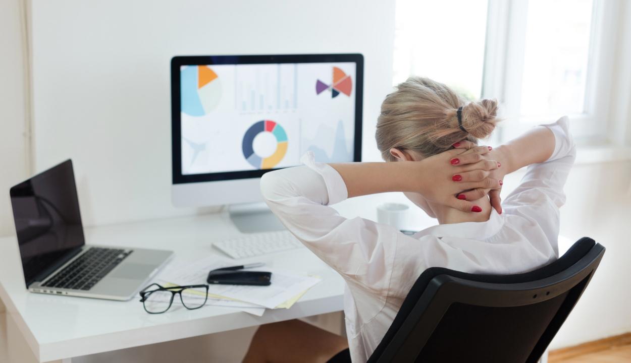 A napi nyolcórás ücsörgés növeli a stroke kockázatát