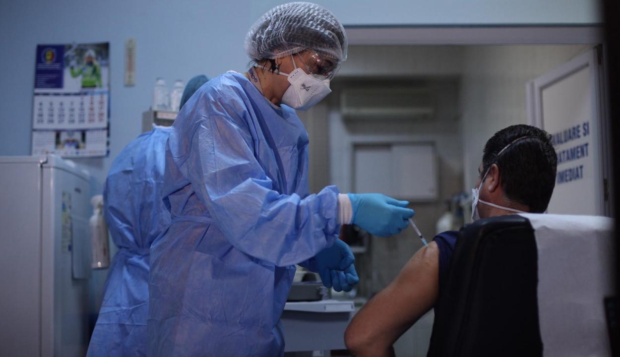 Meghaladta az ötmilliót a beoltottak száma Romániában