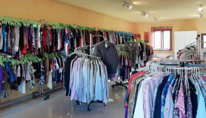 Csak használt ruhát vegyünk szeptemberben!