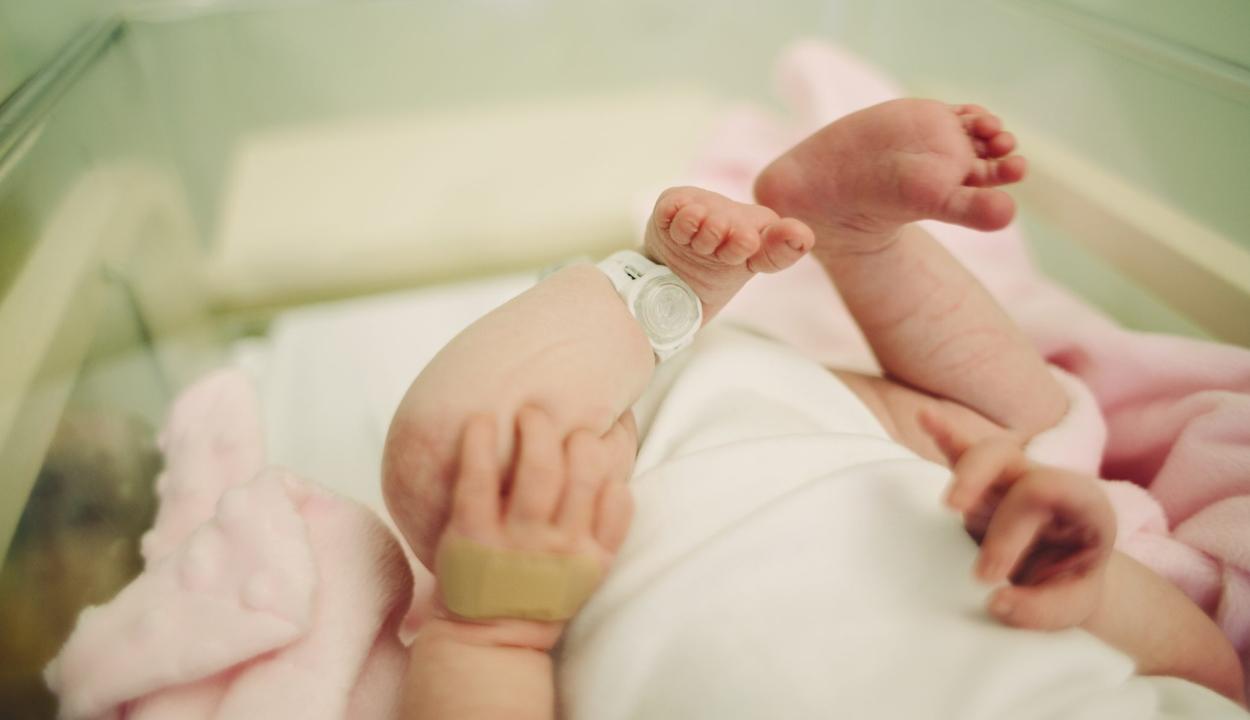 Törökországban tévedésből csecsemőknek adtak be koronavírus elleni vakcinát