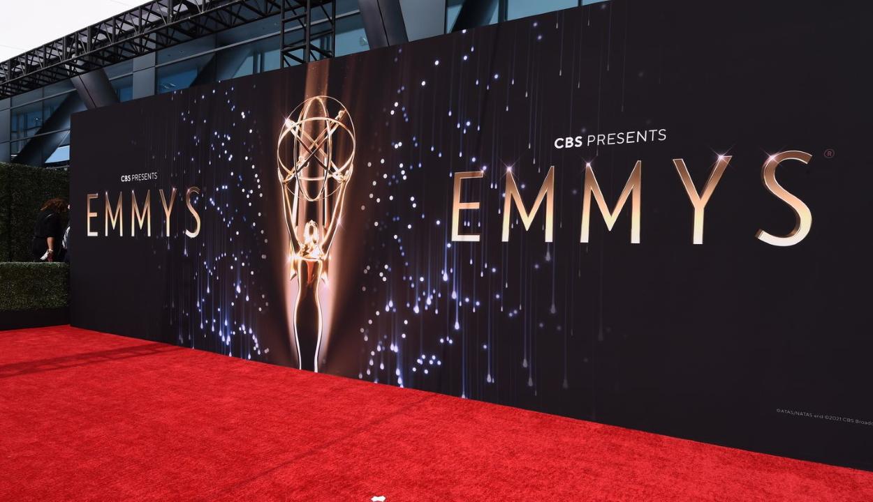 Emmy-gála: A korona és a Ted Lasso vitte el a fő díjakat- a Maszol.ro portálról