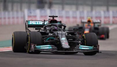 Forma-1: Hamilton a 100. győzelmével újra vezet az összetettben