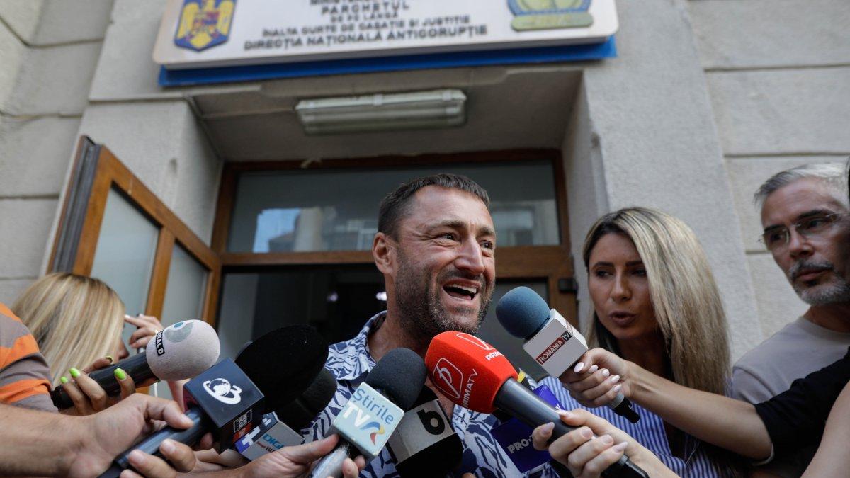 """Közel 12 év börtönre ítélték az """"aszfaltkirályt"""" uniós pénzek eltérítéséért"""