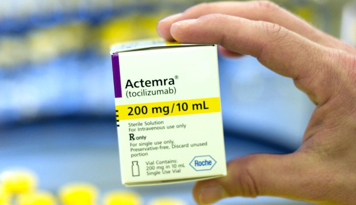 Románia nemzetközi segítséget kér 12.700 adag tocilizumab beszerzése érdekében