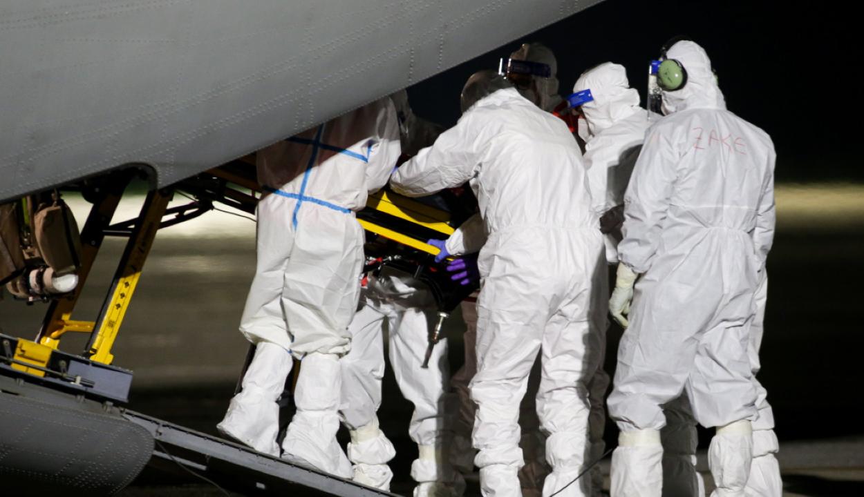 Több romániai koronavírusos beteget szállítanak pénteken Ausztriába és Lengyelországba