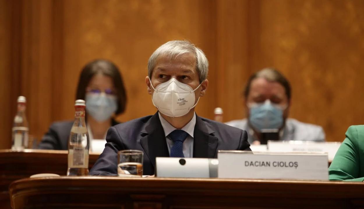 Elutasította a parlament a Cioloş-kormány beiktatását