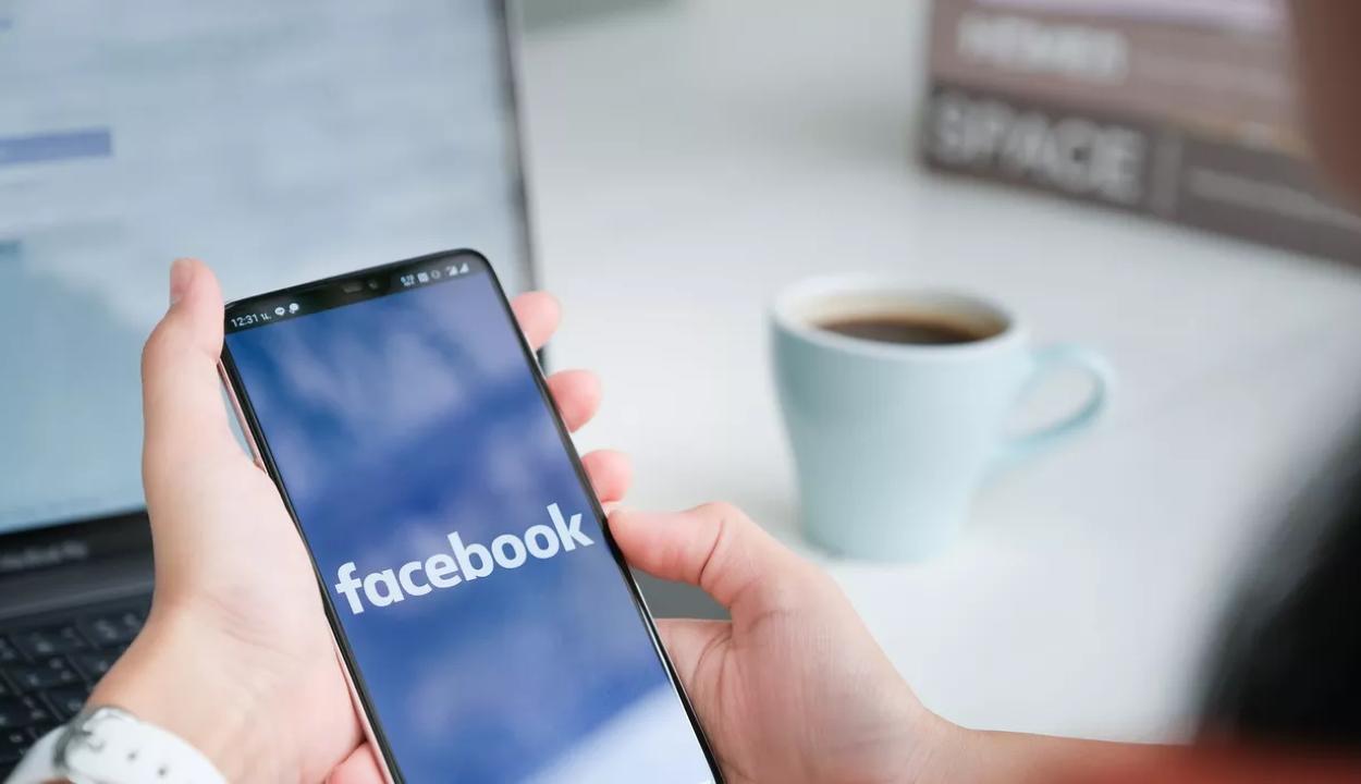Megváltozhat a Facebook neve