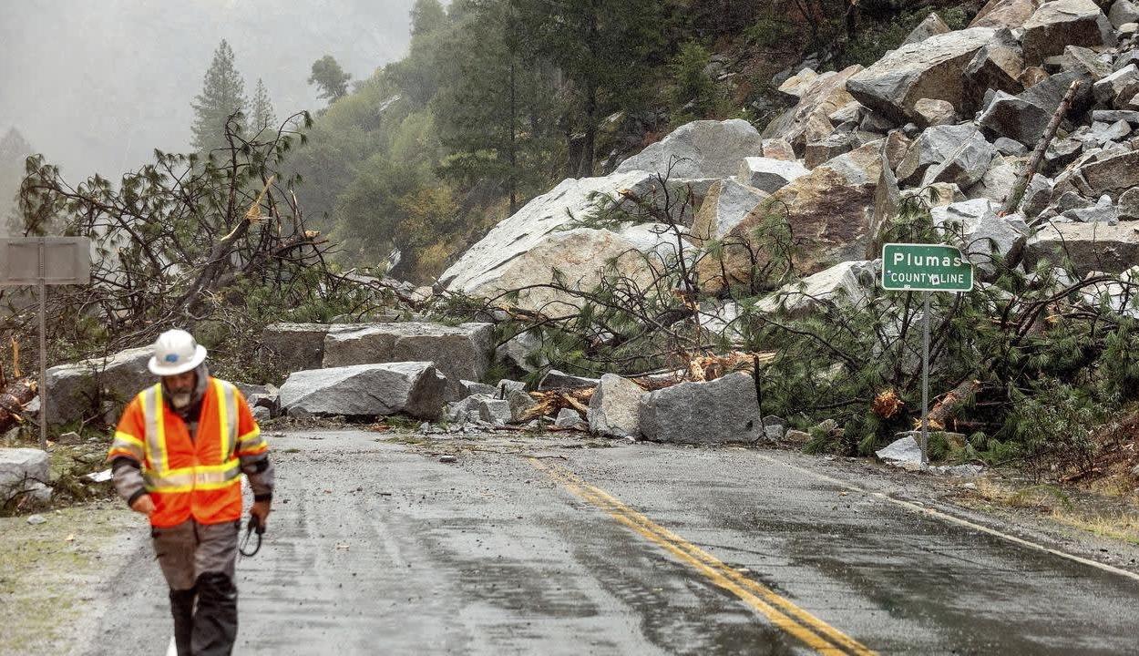 Sárlavinákat, áradásokat és havazást okoz egy vihar Kaliforniában