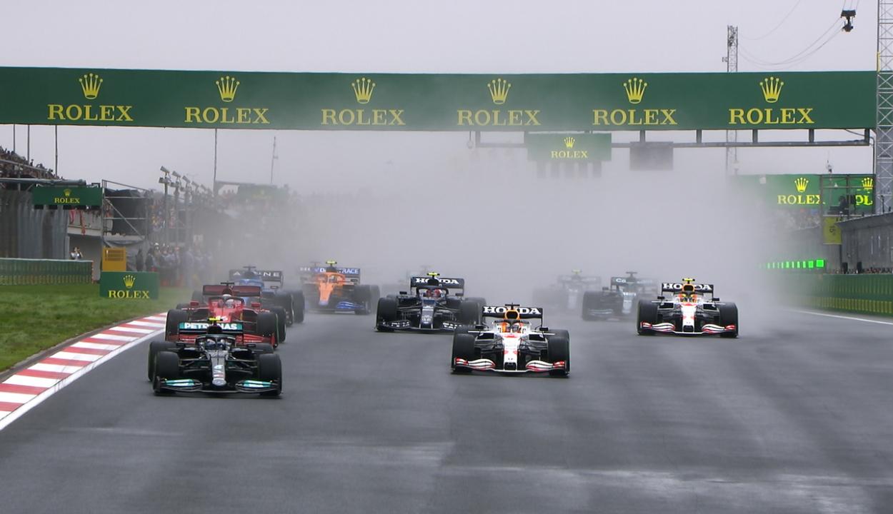 Forma-1: Bottas nyert Törökországban, ismét Verstappen az élen az összetettben