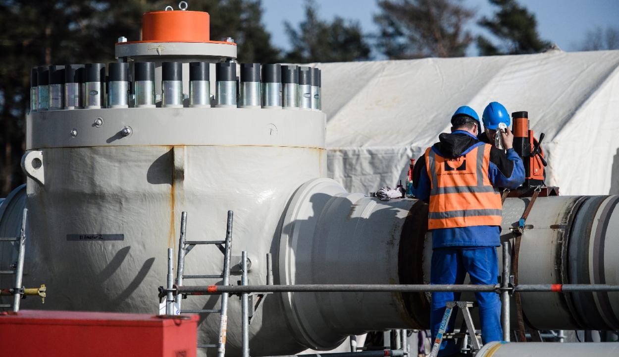 Üzemkész az új orosz-német gázvezeték