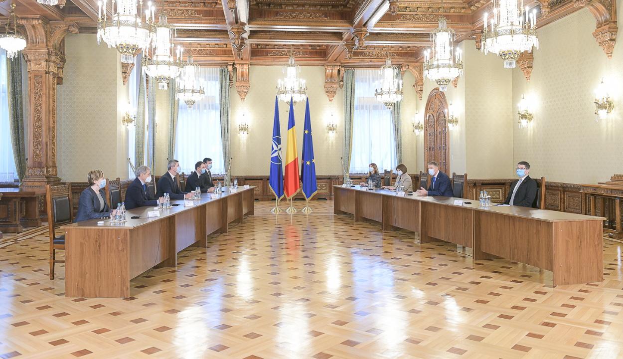 Klaus Iohannis újabb kormányalakítási tárgyalásokra várja csütörtökön a parlamenti pártokat