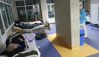 1900 beteg várja, hogy a kórházakban ágy szabaduljon fel számukra