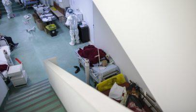 Kétezer koronavírusos vár szabad intenzív terápiás ágyra az ország kórházaiban