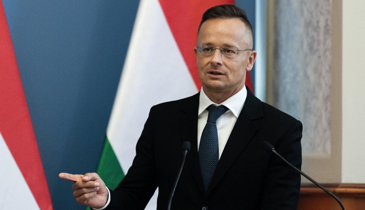 Magyarország lélegeztetőgépeket és gyógyszert küld Romániának